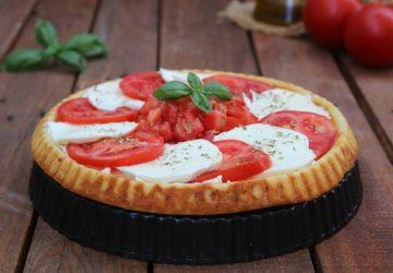 Crostata morbida salata alla Caprese