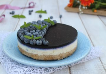 Cheesecake con salsa di mirtilli
