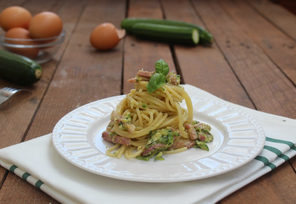 Carbonara rivisitata zucchine e speck