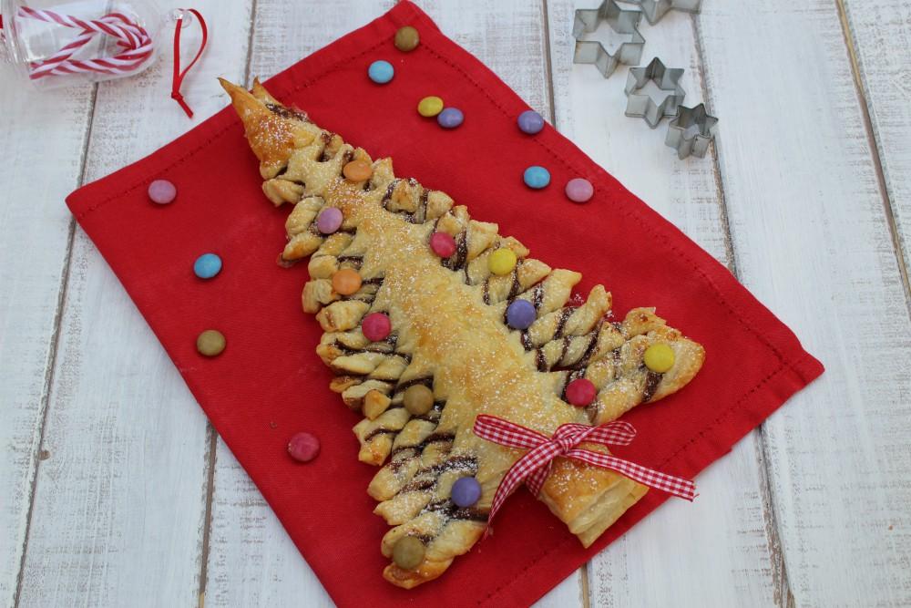 Albero Di Natale Pasta Sfoglia.Albero Di Natale Di Sfoglia Alla Nutella Cibo Che Passione