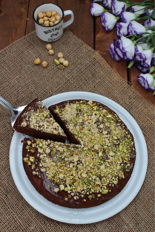 Torta di albumi con cioccolato e granella