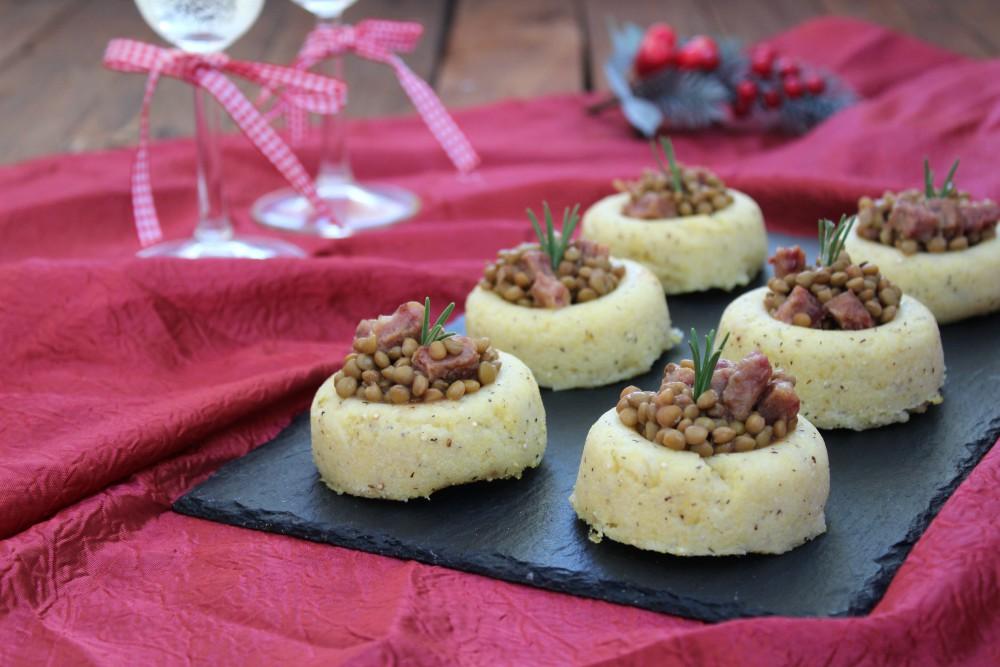 Cestini di polenta con lenticchie e cotechino