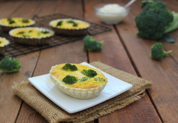 Mini quiche con broccoli e besciamella