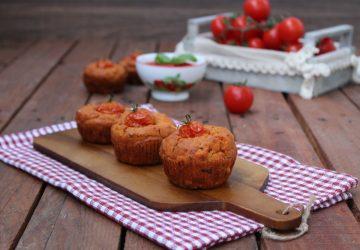 Muffin salati al pomodoro e noci