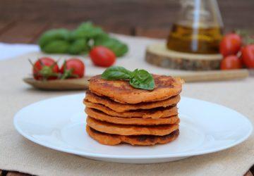 Pancake salati al pomodoro