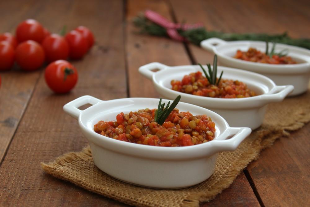 Lenticchie al pomodoro e rosmarino