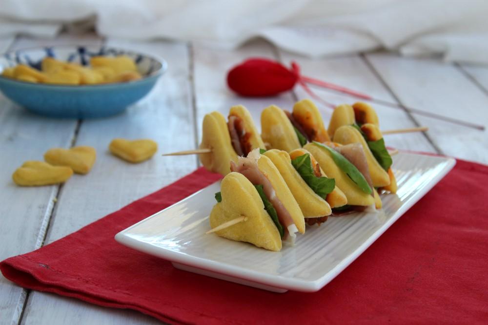 Biscotti di frolla salati ripieni