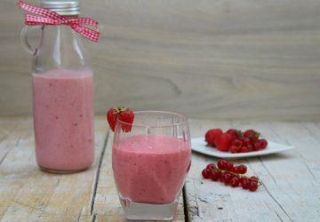 Frappè ai frutti rossi e gelato