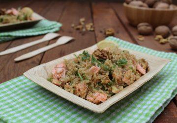 Quinoa con salmone affumicato e noci