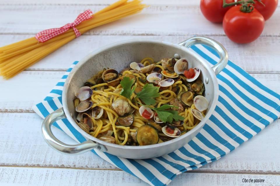 Spaghetti con zucchine e vongole