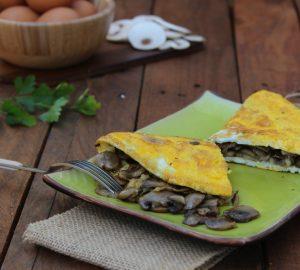 Omelette con funghi trifolati