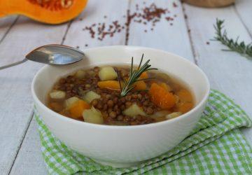 Zuppa rustica con lenticchie e zucca