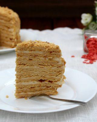 Medovik, dolce russo al miele