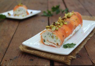 Rotolo di salmone e pistacchi