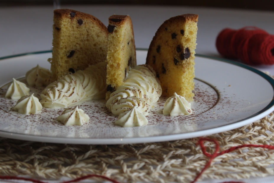 Panettone dello chef con crema chantilly