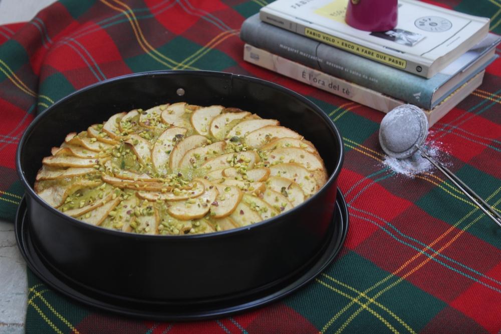 Torta di mele con crema al pistacchio