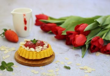Crostatine morbide con fragole