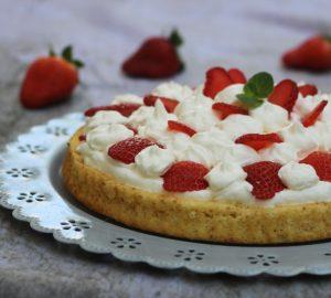 Crostata morbida con ricotta e fragole