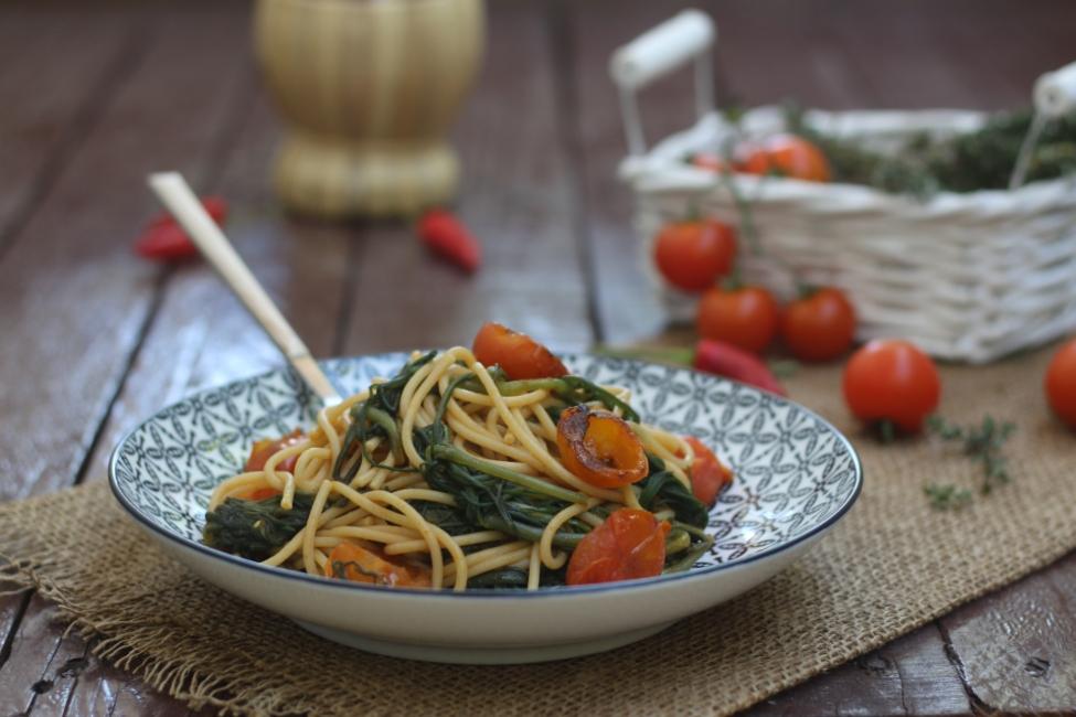 Spaghetti integrali con agretti