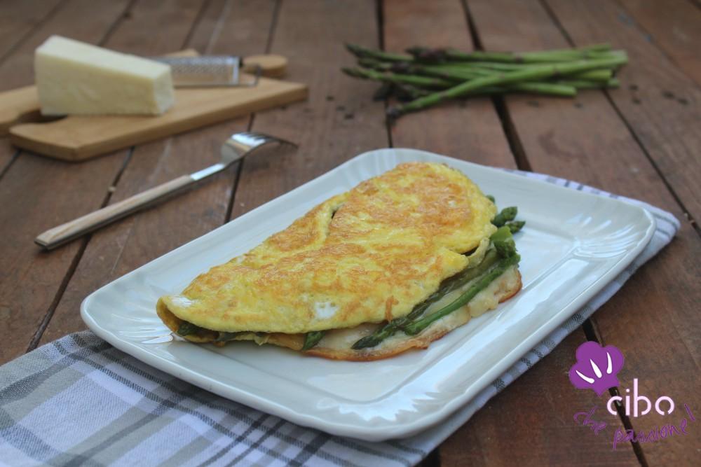 Omelette con asparagi e scamorza