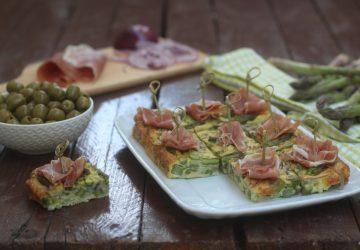 Tapas con asparagi e cipolla di Tropea
