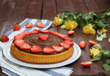 Crostata morbida cioccolato e fragole
