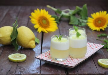 Gelatina al limone con panna cotta