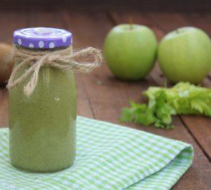 Smoothie mela verde e sedano