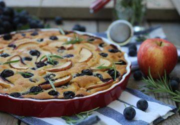 Torta veg con uva fragola e mele